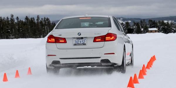 Auto Bild testuje opony zimowe UHP na śniegu