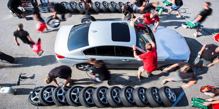 Niemiecki magazyn motoryzacyjny Auto Bild przetestował i porównał 11 modeli opon sportowych do felg o średnicy 18 cali.
