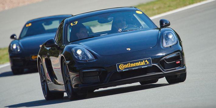 Porsche w czasie testu opony Continental SportContact 6