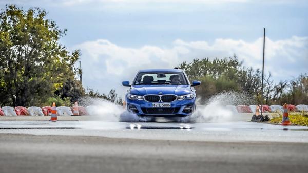 Ranking opon Ultra High Performance wg Auto Motor und Sport – test opon letnich na mokrej nawierzchni