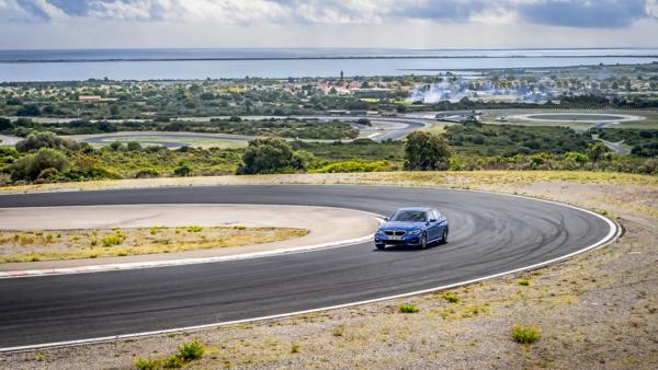 Ranking opon Ultra High Performance wg Auto Motor und Sport – test opon letnich na BMW na zakrętach