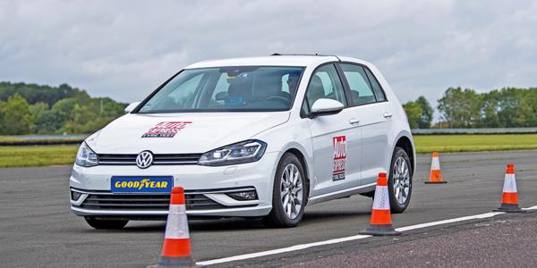 Ranking najlepszych opon letnich 2021 – test hamowania w wykonaniu specjalistów z Auto Express