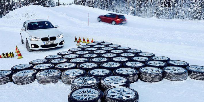 Na podstawie testów przeprowadzonych na zaśnieżonej, suchej i mokrej nawierzchni Autobild opracował ranking najlepszych opon zimowych do kompaktów i samochodów o średniej wielkości – sedanów i minivanów