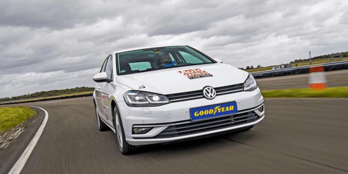 Test ogumienia letniego 2021 w Auto Express