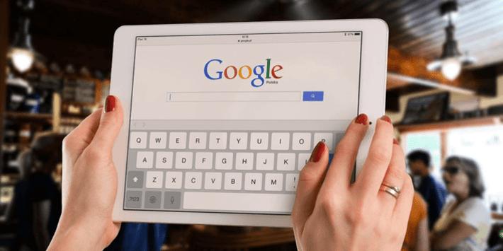 Wyszukiwanie marek opon w Google
